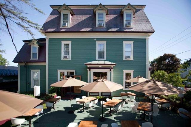 Le Pleasant Hôtel & Café _1