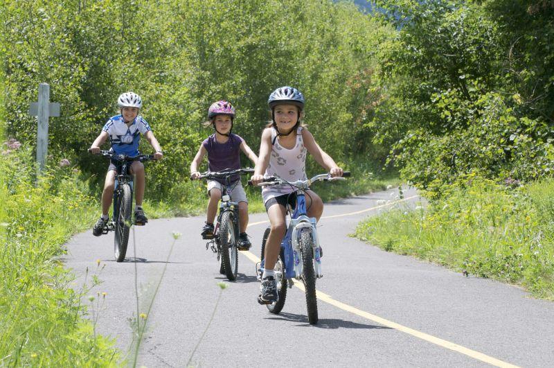 piste cyclable_en famille